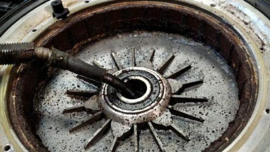 ржавое мотор-колесо